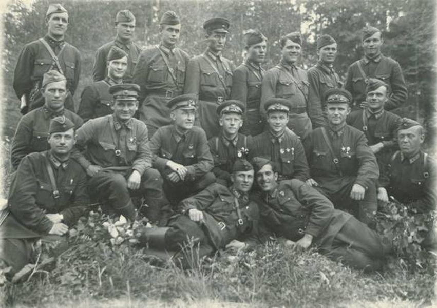 345-му гвардейскому отдельному парашютно-десантному полку слава, слава, слава!!!история отдельного гвардейского